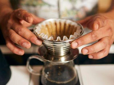 Arsalan Pourmand, artiste roaster at Flux Coffee prepares
