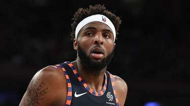 Knicks center Mitchell Robinson against the Orlando Magic