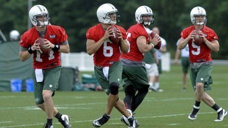 New York Jets quarterbacks Greg McElroy #14, Mark