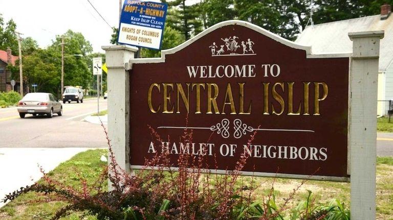 Central Islip, a hamlet in Islip, a Suffolk