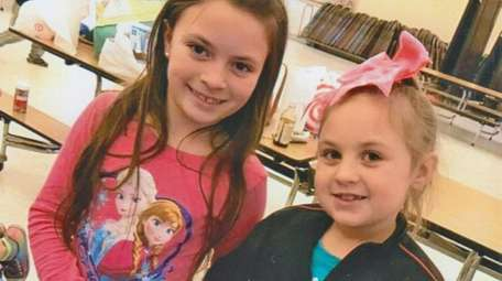 Kidsday reporters Mia Ross, left and Kelsea DeMeo