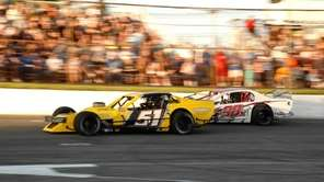Riverhead Raceway hosts an I Love America night