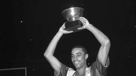 Walt Frazier at Southern Illinois.