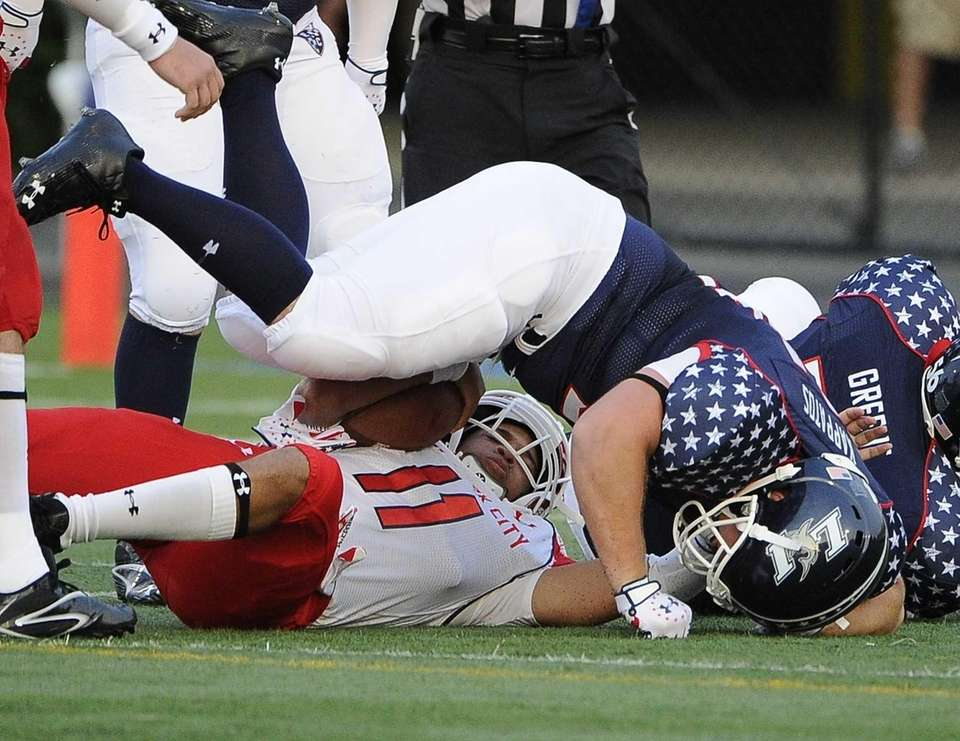 Long Island linebacker Evan Kappatos sacks New York