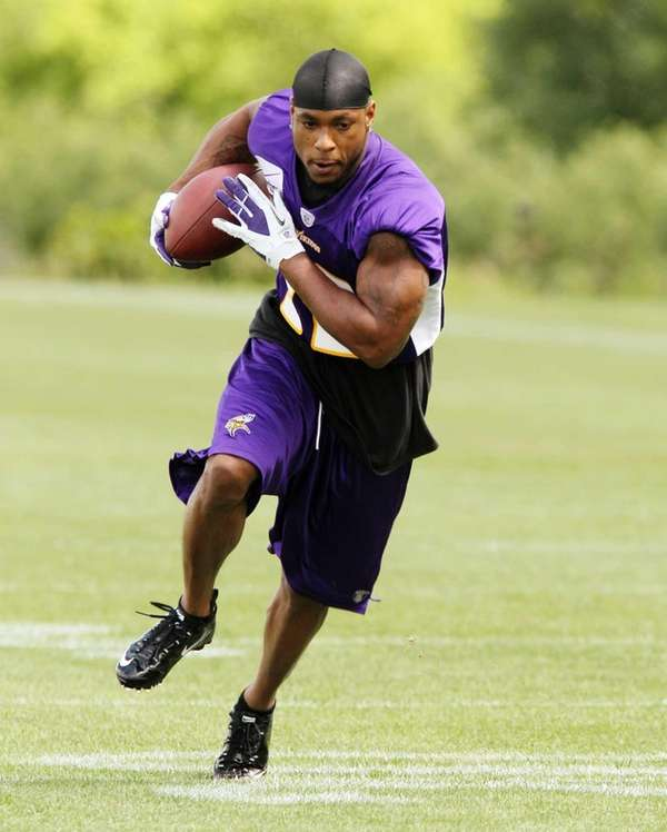 Minnesota Vikings wide receiver Percy Harvin practices during