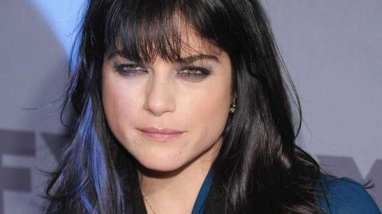 Selma Blair stars in 'Dark Horse' along with