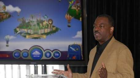 LeVar Burton introduces the all new Reading Rainbow