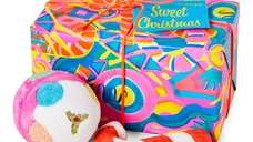 This sweet gift set includes a candy cane