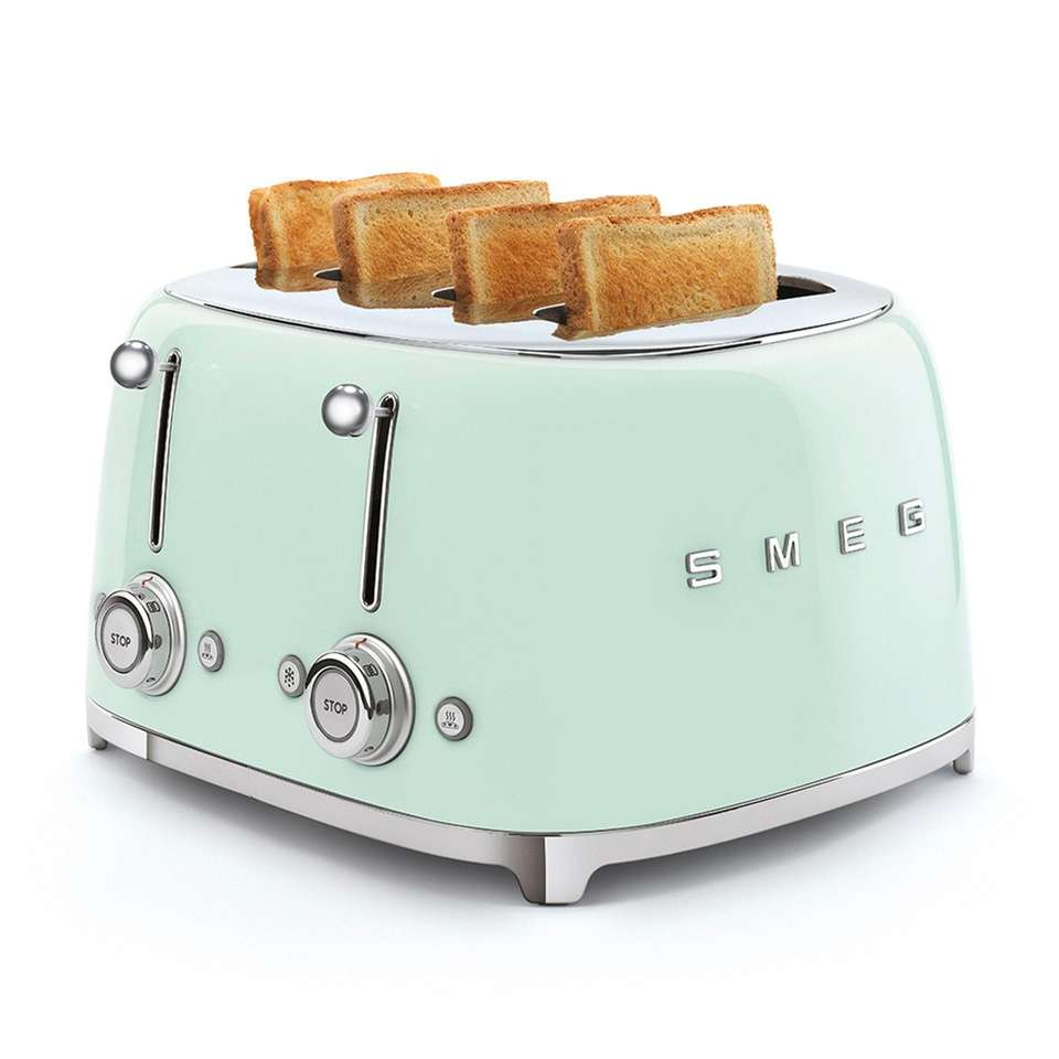 This retro toaster features six levels of browning
