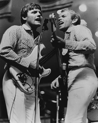 Bruce Johston on bass, left, and Alan Jardine,