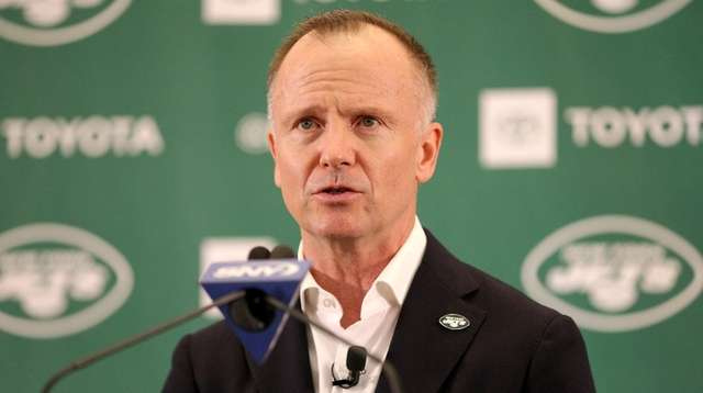 Jets chairman and CEO Christopher Johnson's speaks during