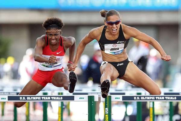 Christina Manning and Lolo Jones compete in the