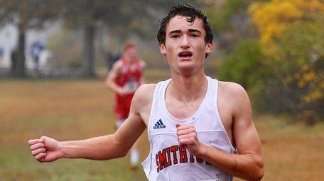 Michael Danzi of Smithtown runs to the finish
