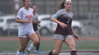 Rachel Eisert #3 of Mepham moves the ball