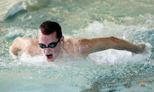 Independent swimmer Tom Luchsinger of Mt. Sinai practices