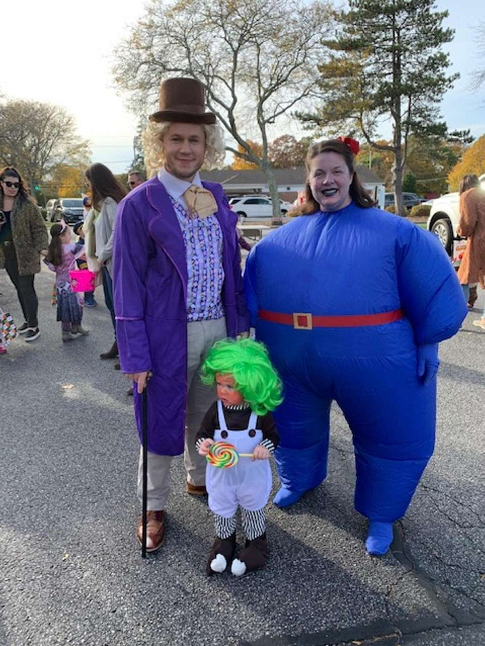 Willy Wonka, Violet and Oompa Loompa at the