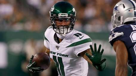 Robby Anderson of the Jets runs a third-quarter