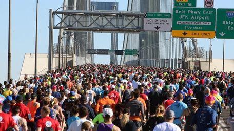 Runners head over the Verrazzano-Narrows Bridge at the