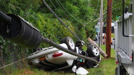 Nassau County police said a utility pole and
