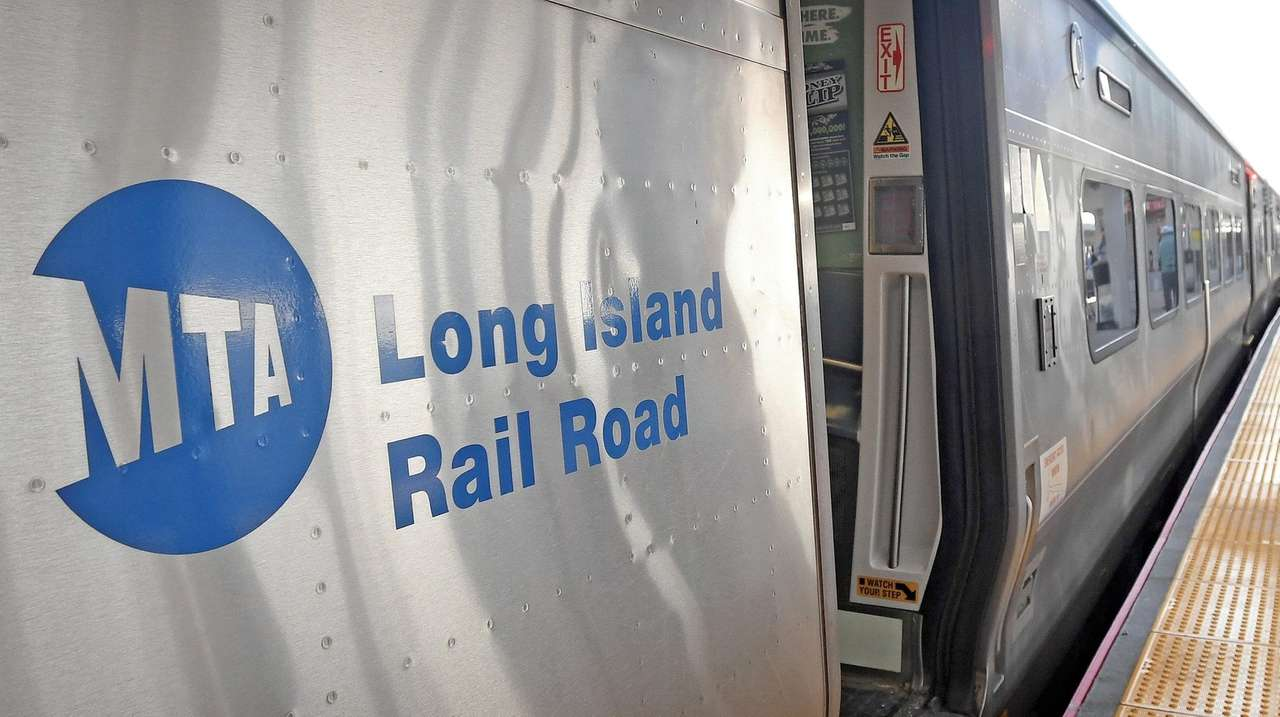 LIRR service restored between Oyster Bay and Locust Valley