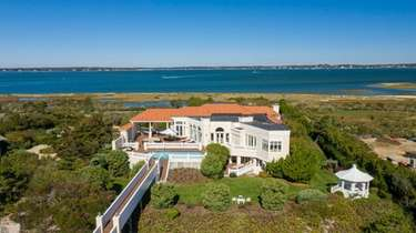 Built in 1983, the 7,250-square-foot, six-bedroom, 6½-bathroom Southampton