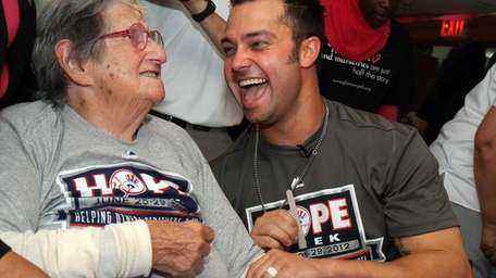 Nick Swisher participates in HOPE Week 2012 by