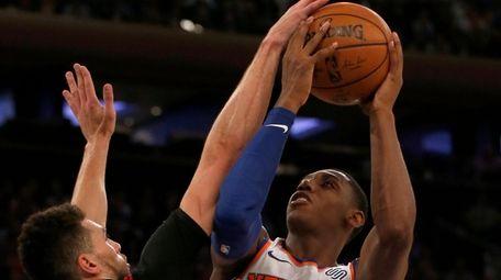 RJ Barrett of the Knicks puts up a