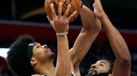 Brooklyn Nets center Jarrett Allen (31) goes to