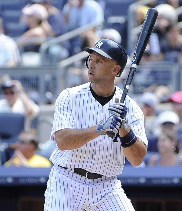 Yankees Raul Ibanez singles in the second inning