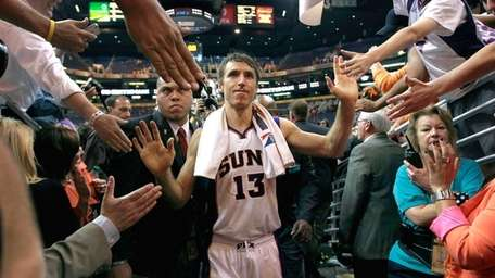 Phoenix Suns' Steve Nash leaves the court after