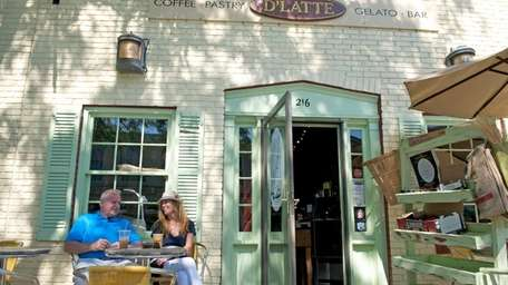 D'latte Cafe is in Greenport village and offers