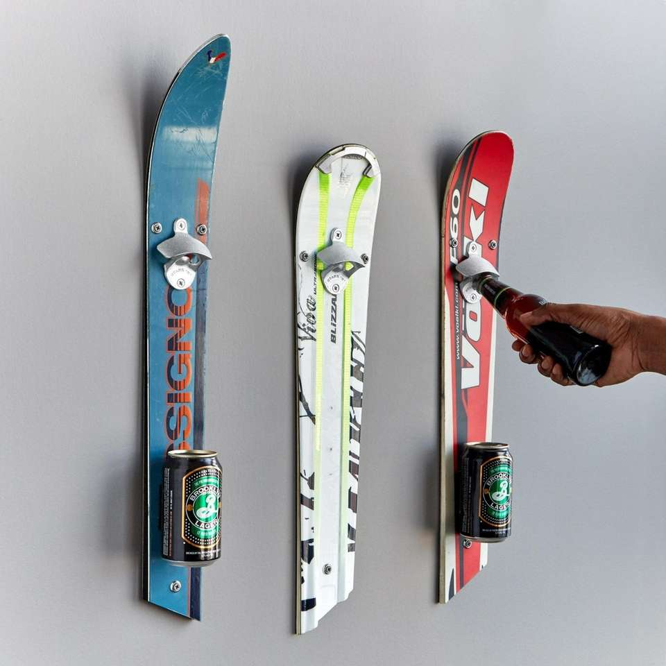 Decorate your mancave with some sporty wall décor