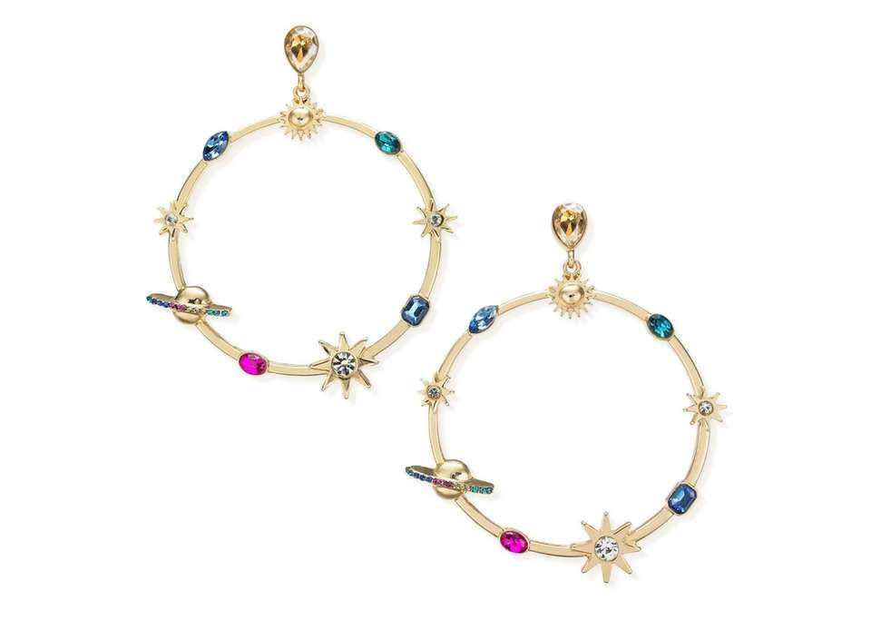 These galaxy earrings by Thalia Sodi are out