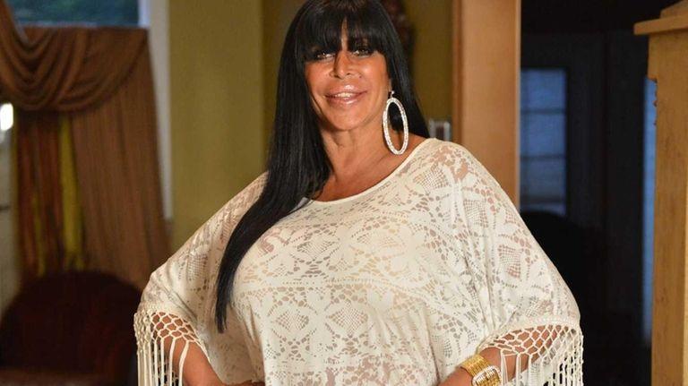 Angela Raiola from the VH1