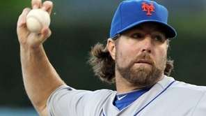 R.A. Dickey, the New York Mets' knuckleball specailist,