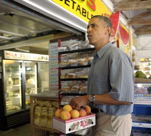 President Barack Obama visits Bergman Orchards Farm Market