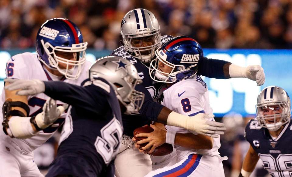 Demarcus Lawrence #90 of the Dallas Cowboys sacks
