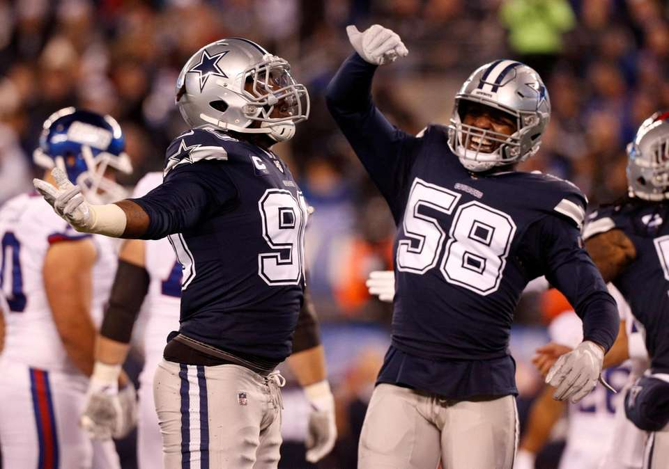 Demarcus Lawrence #90 of the Dallas Cowboys celebrates