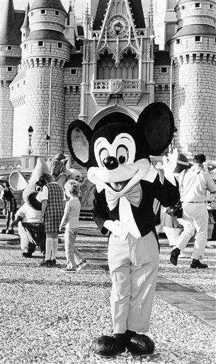 Mickey Mouse welcomes construction workers and their families