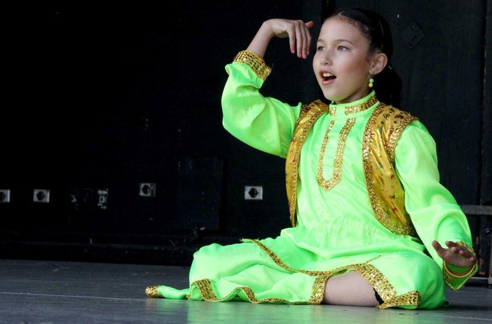 Shayna Trachten, 10, a member of the BollyArts