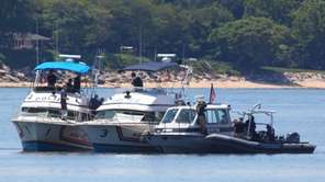 Nassau Police, with the dive team from the