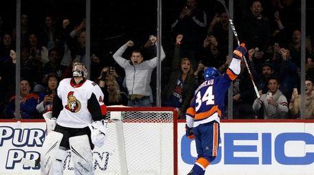 Cole Bardreau #34 of the New York Islanders