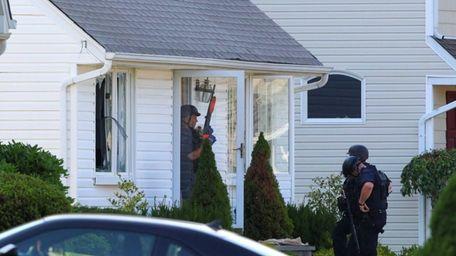 Authorities say Jeffrey S. Anlyan is in custody