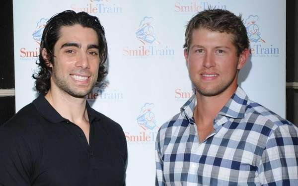 New York Islanders players Matt Moulson, left,