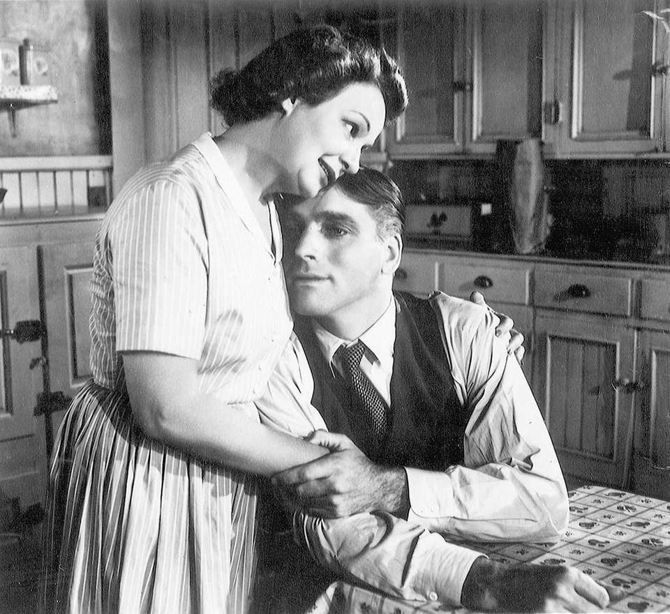 Shirley Booth and Burt Lancaster, in a scene