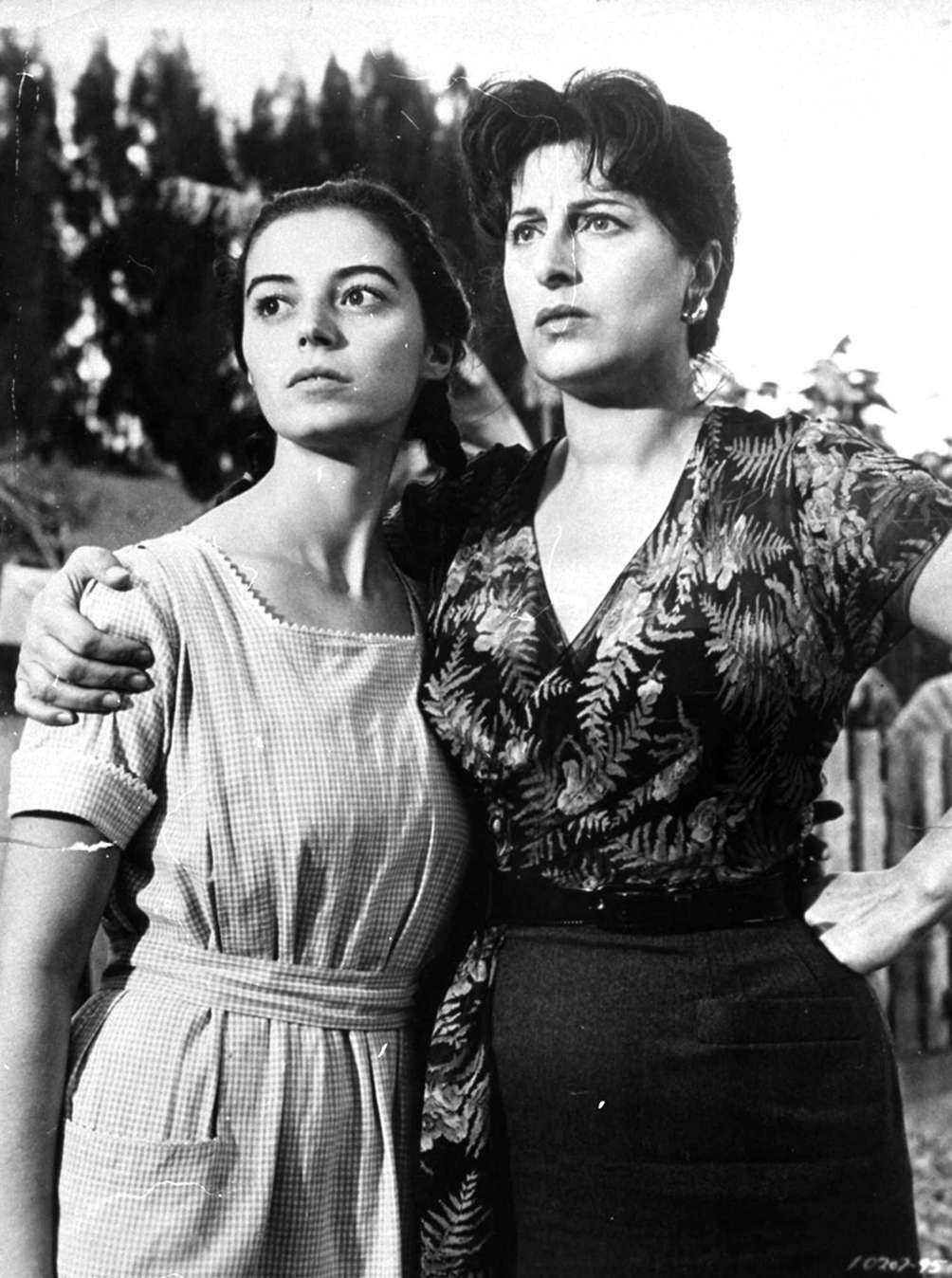 Marisa Pavan (left) and Anna Magnani, in a