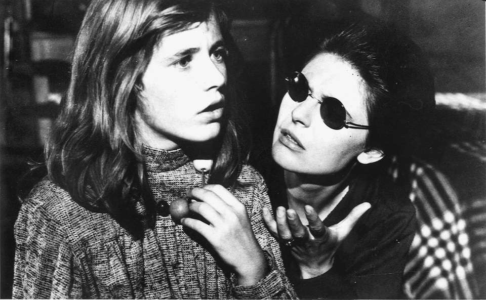Patty Duke (left) and Anne Bancroft, in a