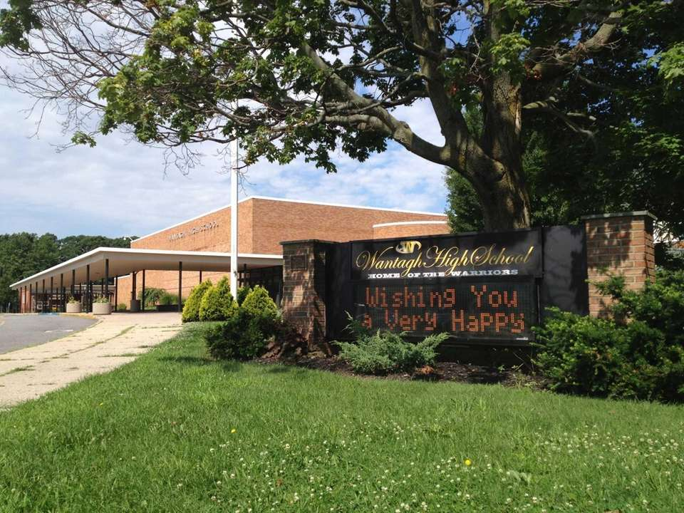 Wantagh High School is at 3297 Beltagh Ave.