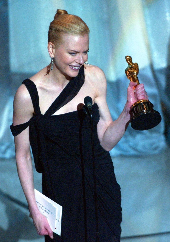 Actor Nicole Kidman, holding the Oscar statuette she