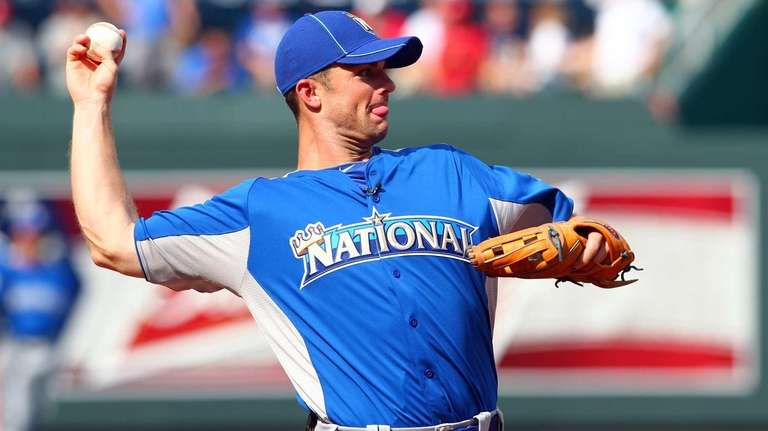 National League All-Star David Wright throws the ball
